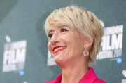 Emma Thompson was stylishly coiffed with this layered razor cut at the UK premiere of 'The Meyerowitz Stories.'