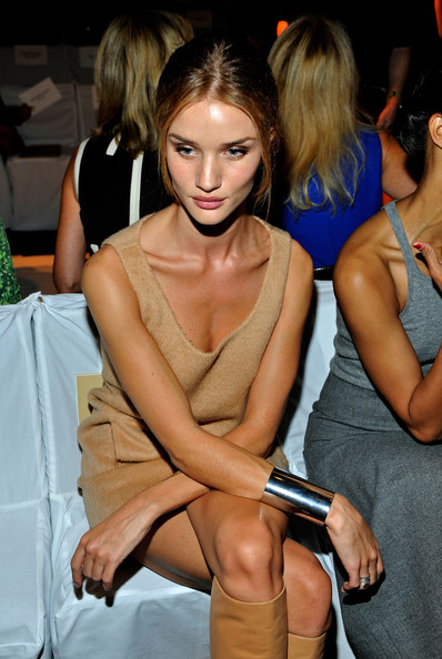 More Pics of Model Rosie Huntington-Whiteley Loose Bun (1 of 7) - Model Rosie Huntington-Whiteley Lookbook - StyleBistro