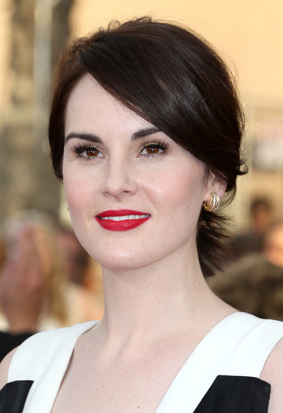 Michelle Dockery Red Lipstick [hair,face,lip,hairstyle,eyebrow,chin,beauty,skin,brown hair,black hair,arrivals,michelle dockery,screen actors guild awards,los angeles,california,the shrine auditorium]