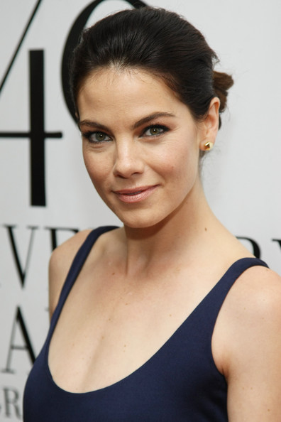 Michelle Monaghan Bobby Pinned Updo [michelle monaghan,fifi,fifi awards,arrivals,awards,hair,face,eyebrow,hairstyle,shoulder,chin,beauty,skin,black hair,lip,alice tully hall,new york city,lincoln center]