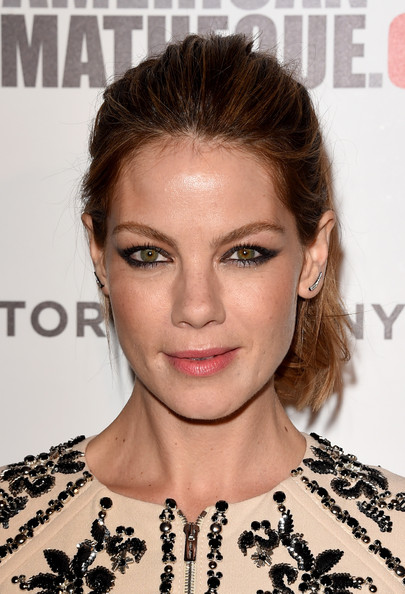 Michelle Monaghan Loose Ponytail [hair,face,hairstyle,eyebrow,lip,chin,beauty,skin,shoulder,brown hair,arrivals,michelle monaghan,matthew mcconaughey,american cinematheque award,beverly hills,california,the beverly hilton hotel]