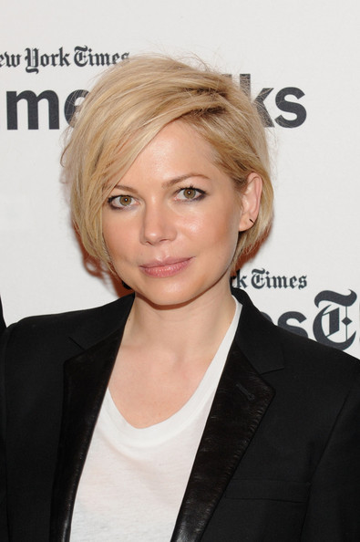 Michelle Williams Messy Cut [hair,face,hairstyle,blond,eyebrow,forehead,chin,white-collar worker,layered hair,long hair,new york city,the times center,timestalk presents an evening with ``cabaret,michelle williams]