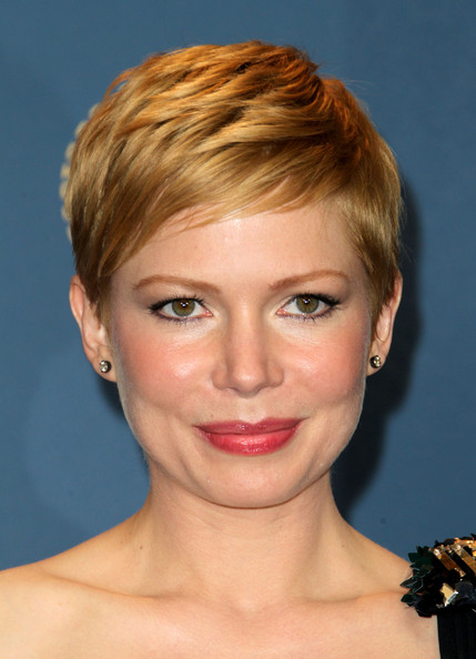 Michelle Williams Pixie [michelle williams,face,hair,hairstyle,eyebrow,chin,blond,forehead,lip,head,beauty,room,press room,hollywood,california,grand ballroom,directors guild of america awards,hollywood highland]
