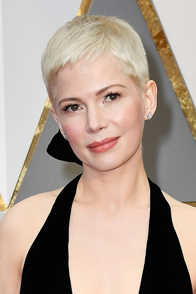 Michelle Williams Pixie Short Hairstyles Lookbook Stylebistro
