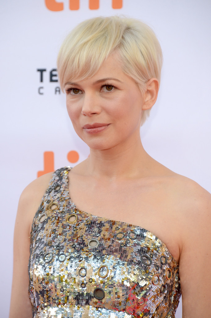 Michelle Williams Short Emo Cut - Michelle Williams Short Hairstyles ...