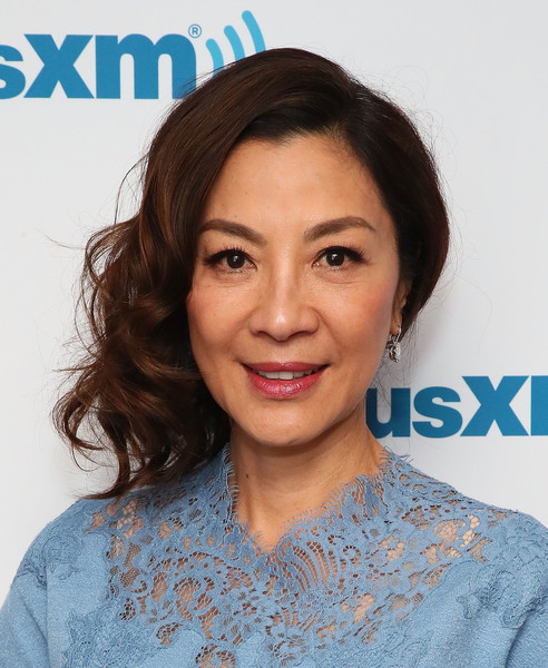 Michelle Yeoh Side Swept Curls [entertainment weekly radio spotlight with the cast of crazy rich asians,hair,face,hairstyle,eyebrow,skin,chin,lip,beauty,forehead,smile,michelle yeoh,new york city,siriusxm]