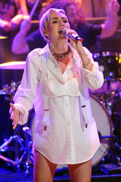 Miley Cyrus Bra [miley cyrus,late night with jimmy fallon,performance,entertainment,music artist,performing arts,singer,event,singing,public event,music,song,new york city,rockefeller center]