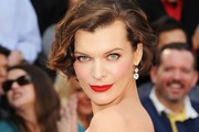 Milla Jovovich's Wavy Bob at the 2012 Oscars