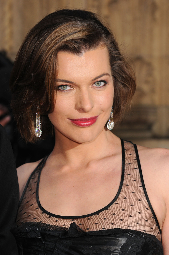Milla Jovovich Bob Short Hairstyles Lookbook Stylebistro