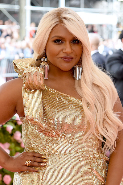 Mindy Kaling Crystal Chandelier Earrings [hair,blond,clothing,lady,beauty,hairstyle,long hair,fashion,dress,model,fashion - arrivals,mindy kaling,notes,fashion,new york city,metropolitan museum of art,met gala celebrating camp]