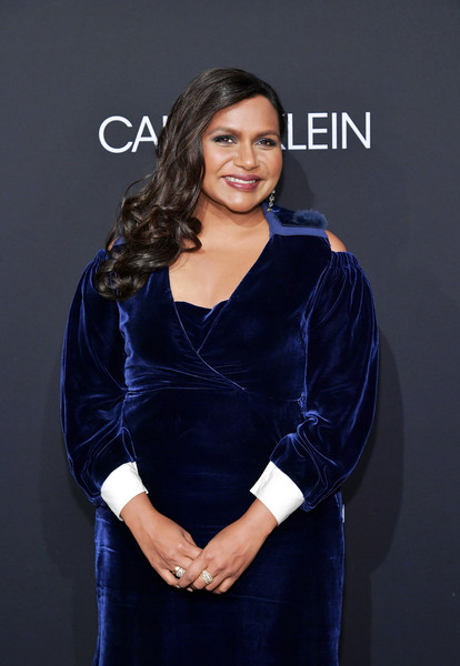 Mindy Kaling Diamond Ring [elle,hearts on fire,loreal paris,red carpet,clothing,blue,cobalt blue,electric blue,beauty,dress,fashion,hairstyle,formal wear,long hair,los angeles,beverly hills,california,25th annual women in hollywood celebration,calvin klein,mindy kaling]