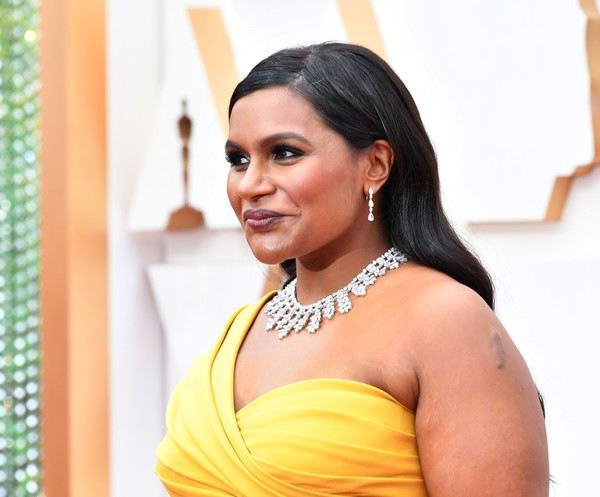 Mindy Kaling Long Wavy Cut [hair,hairstyle,beauty,yellow,eyebrow,black hair,smile,long hair,photography,fashion accessory,arrivals,mindy kaling,hollywood,highland,california,92nd annual academy awards,mindy kaling,oceans 8,dolby theatre,academy awards,actor,red carpet,academy award for best director,photograph,oceans,oscar party]