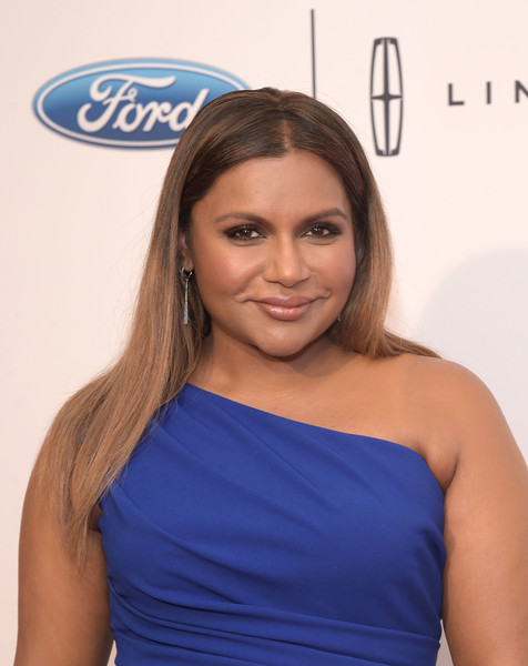 Mindy Kaling Beige Lipstick [hair,shoulder,face,electric blue,hairstyle,beauty,cobalt blue,eyebrow,joint,cocktail dress,arrivals,mindy kaling,beverly hills,california,beverly wilshire four seasons hotel,annual gracie awards gala]