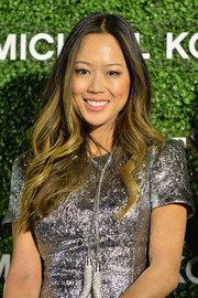 Aimee Song looked lovely with her flowing waves during the Elle Japan December cover celebration.