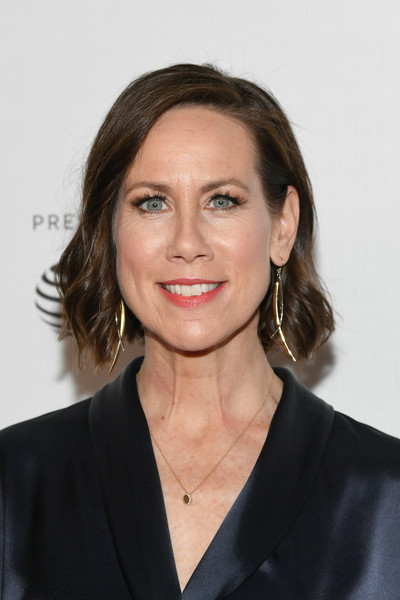 Miriam Shor Short Wavy Cut [hair,hairstyle,eyebrow,chin,white-collar worker,official,layered hair,smile,long hair,brown hair,miriam shor,tribeca tv,tribeca,new york city,spring studio,tribeca film festival]