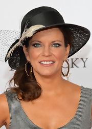 Martina Mcbride accessorized with a chic pair of geometric hoops at the Kentucky Derby Moet & Chandon toast.