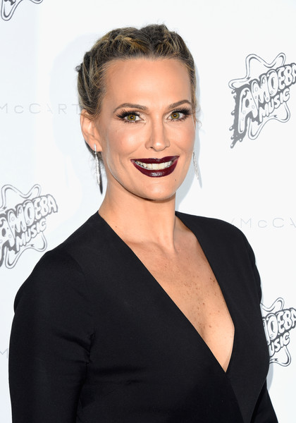 Molly Sims Dark Lipstick