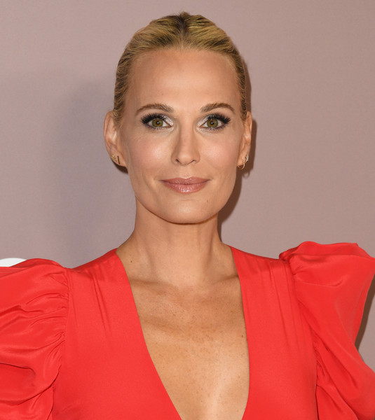 Molly Sims Classic Bun [hair,face,hairstyle,lip,chin,eyebrow,blond,beauty,shoulder,cheek,variety,power of women,lifetime,los angeles,beverly hills,california,beverly wilshire four seasons hotel,arrivals,molly sims]