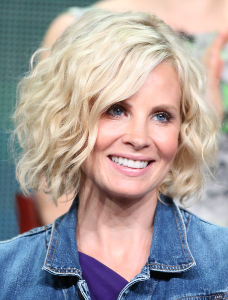 Monica Potter Short Wavy Cut