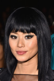 Jamie Chung rocked a graduated lob with blunt bangs at the Monique Lhuillier fashion show.