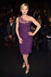Jennifer Morrison looked breathtaking in a purple lace one-shoulder dress by Monique Lhuillier while attending the label's fashion show.