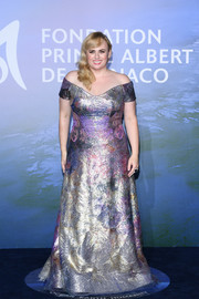 Rebel Wilson shimmered so glamorously in a metallic lavender and silver off-the-shoulder gown by Luis Escudero for Rene Ruiz Collection at the Monte-Carlo Gala for Planetary Health.
