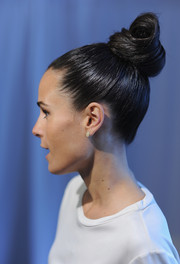 Jordana Brewster's sleek, towering top knot at the Mr. Clean Summer Fashion Party looked almost like a work of art.