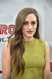 Carly Chaikin was gorgeously coiffed with this long wavy 'do at the 'Mr. Robot' FYC screening.