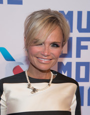 Kristin Chenoweth sported a mildly messy short 'do at the Museum of the Moving Image tribute to Kevin Spacey.