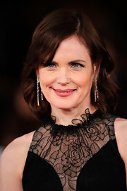 Elizabeth McGovern's short wavy 'do at the premiere of 'My Week with Marilyn' was as lovely as it was simple.
