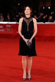 Elizabeth McGovern's LBD and sparkly gray peep-toes at the premiere of 'My Week with Marilyn' were a charming combination.