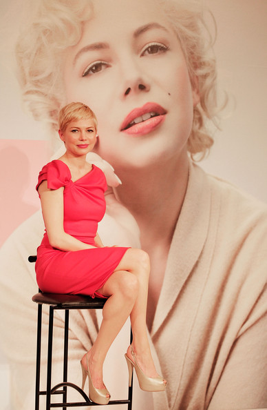 More Pics of Michelle Williams Cocktail Dress (1 of 12) - Michelle Williams Lookbook - StyleBistro