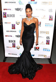 Chloe Arnold chose a strapless black mermaid gown for her retro-glam inspired look.