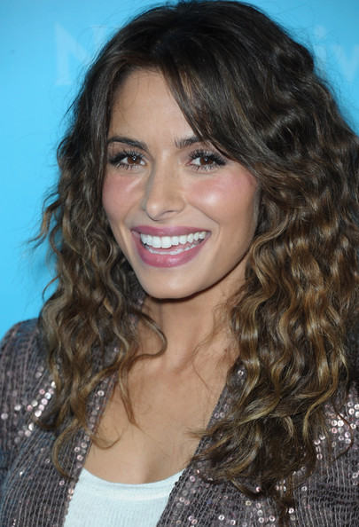 Sarah Shahi wore a soft raspberry stain with a hint of gloss at the NBC Universal 2012 Winter TCA Press Tour All Star Party.