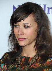 Rashida Jones attended the NBC Universal 2012 Winter Tour TCA Press Tour All Star Party wearing her shiny tresses in subtle waves with sexy side-swept bangs.