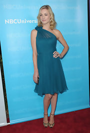 Yvonne Strahovski wore a on-shoulder teal chiffon dress for the TCA All-Star party.