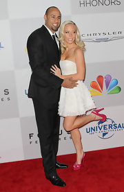 Kendra added a pop color to her red carpet ensemble with hot pink platform slingbacks.
