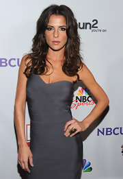 Kelly Monaco donned a sexy gray bandage dress for the NBC All-Star party in Los Angeles. She finished off the look with tousled curls and a chic cocktail ring.