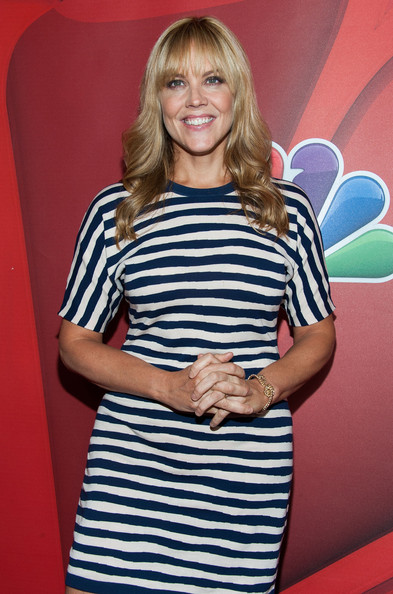More Pics of Mary McCormack Long Wavy Cut with Bangs (1 of 7) - Mary McCormack Lookbook - StyleBistro