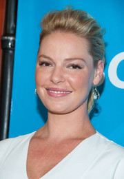 Katherine Heigl pulled her locks back into a messy-chic pompadour ponytail for NBCUniversal's Summer TCA Tour.