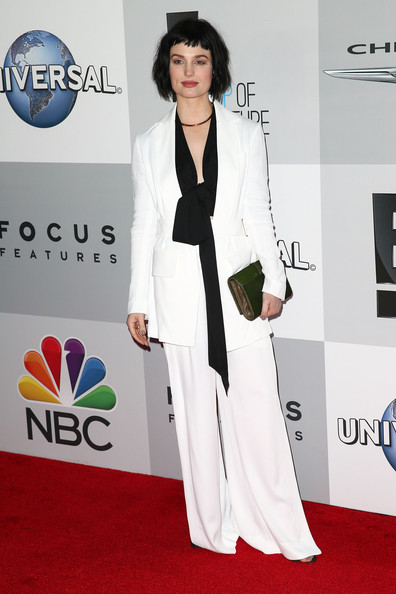 More Pics of Alison Sudol Bob (1 of 2) - Alison Sudol Lookbook - StyleBistro [red carpet,carpet,white,clothing,suit,formal wear,flooring,fashion,pantsuit,dress,alison sudol,beverly hills,california,the beverly hilton hotel,golden globes,nbcuniversal,party,arrivals]