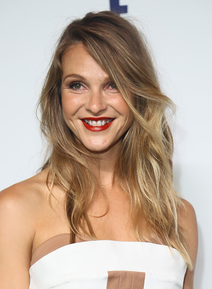 Beau Garrett sported messy-chic waves at the NBCUniversal Cable Entertainment Upfronts.