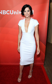 For her NBCUniversal Press Tour look, Jaimie Alexander opted for sleek and simple lines with this Cushnie et Ochs LWD, but that plunging neckline definitely added major allure!