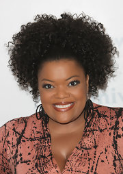 Yvette Nicole Brown swept her springy spiral curls up into a high ponytail for NBCUniversal Summer Press Day.