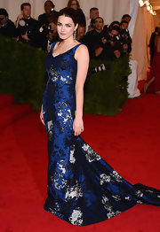 Bee Shaffer was the picture of classy elegance in this brocade navy gown at the Met Gala.