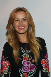 Petra Nemcova was a classic beauty with her feathered flip at the Naeem Khan fashion show.