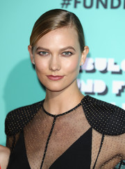 Karlie Kloss kept it fuss-free with this slicked-down ponytail at the Naked Heart Foundation's Fabulous Fund Fair.