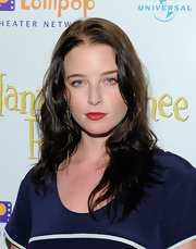 Rachel showed off her long waves while attending the premiere of 'Nanny McPhee'.