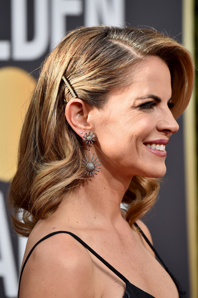 Natalie Morales Medium Wavy Cut [hair,hairstyle,chin,blond,ear,beauty,long hair,brown hair,neck,chignon,arrivals,natalie morales,beverly hills,california,the beverly hilton hotel,golden globe awards,the 75th annual golden globe awards]