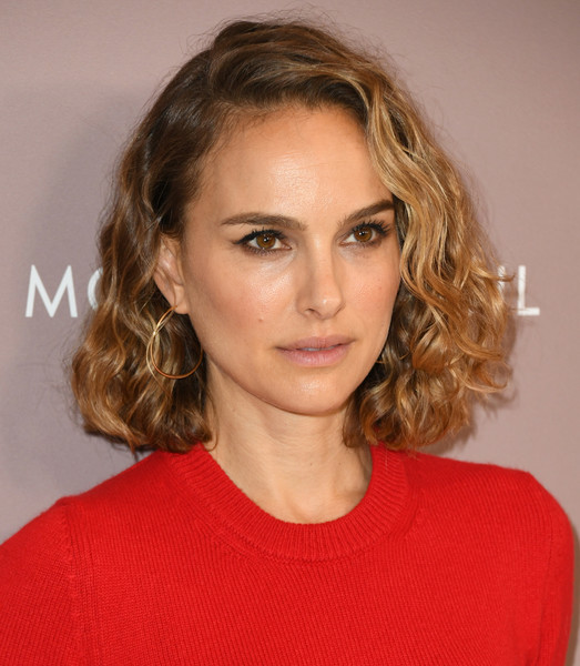 Natalie Portman Curled Out Bob [hair,face,hairstyle,eyebrow,blond,chin,lip,layered hair,beauty,brown hair,variety,power of women,lifetime,los angeles,beverly hills,california,beverly wilshire four seasons hotel,natalie portman,los angeles,actor,stock photography,photograph,image,alamy,getty images,arrivals,natalie portman]